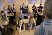 Online ke shlédnutí druhý díl nového českého seriálu z produkce televize Nova - Gympl s (r)učením omezeným. Opět se trochu blíže seznámíme s novými postavami jako je Milan, Majka Eve, Bela a další. Gympl je zábavný seriál a úvodní epizodě se podařilo nastavit laťku skutečně vysoko.